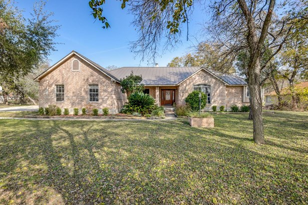 841  Winding Oak Dr , New Braunfels, TX - USA (photo 1)
