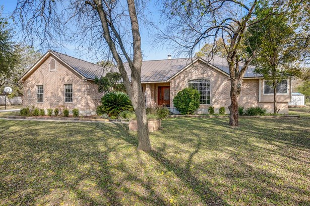 841  Winding Oak Dr , New Braunfels, TX - USA (photo 2)