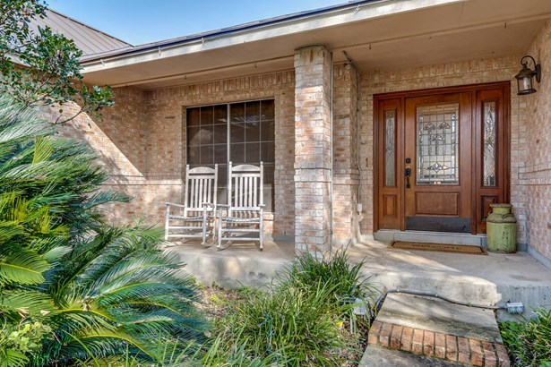 841  Winding Oak Dr , New Braunfels, TX - USA (photo 3)