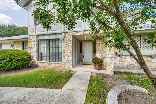 5815  Sun Country Street , San Antonio, TX - USA (photo 3)