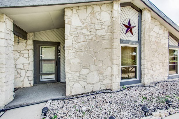 5722  Sun Ridge Dr. , San Antonio, TX - USA (photo 3)