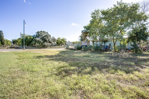 1712 E. Commerce , San Antonio, TX - USA (photo 4)