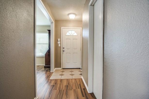 8538   Braun Knoll , San Antonio, TX - USA (photo 4)