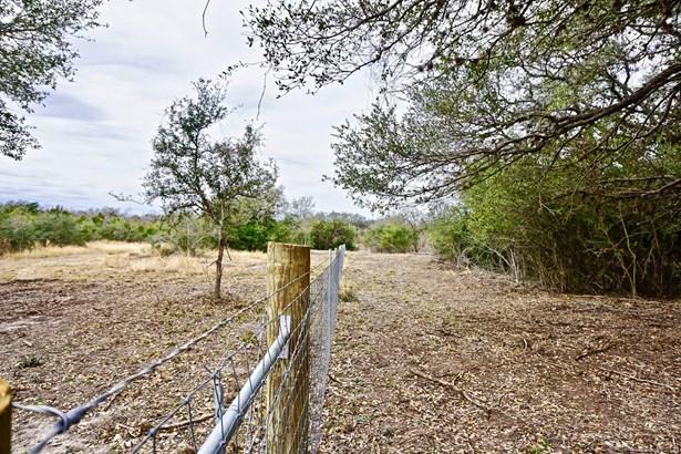 838 East Oak Unit Lot 2, Goliad, TX - USA (photo 3)