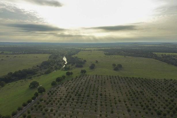 00  Alfred Petsch  Rd. , Fredericksburg, TX - USA (photo 2)