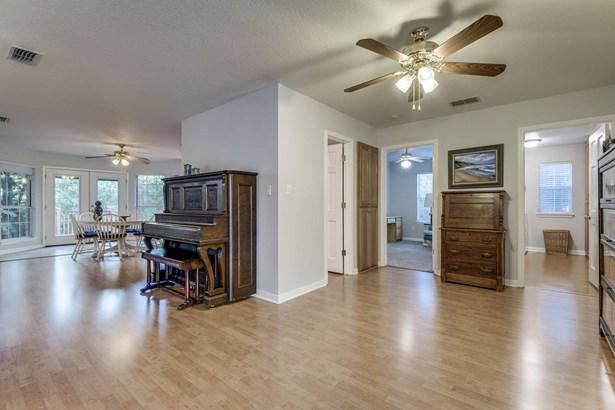 650  Evergreen , New Braunfels, TX - USA (photo 4)