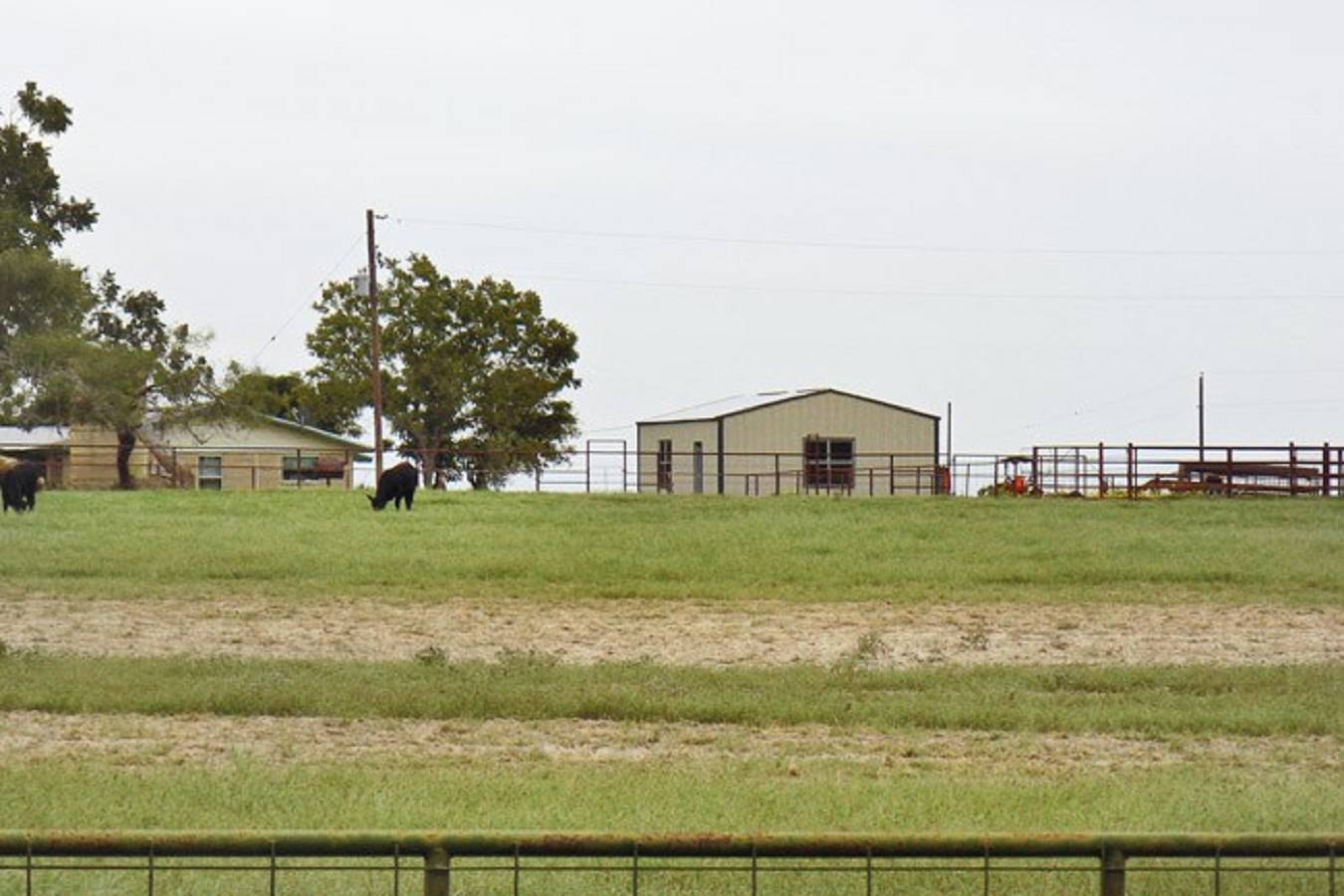 1818  North Business Loop 181 , Floresville, TX - USA (photo 3)