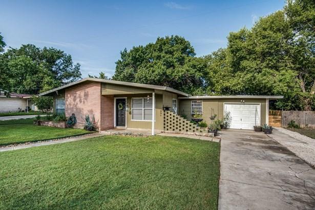 7423  Dell Oak Drive , San Antonio, TX - USA (photo 2)