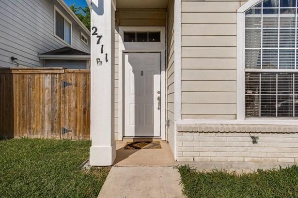 2711  Crown Hollow , San Antonio, TX - USA (photo 2)