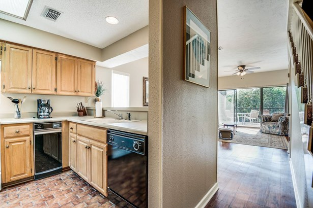 371 W. Lincoln Street Unit C218, New Braunfels, TX - USA (photo 3)