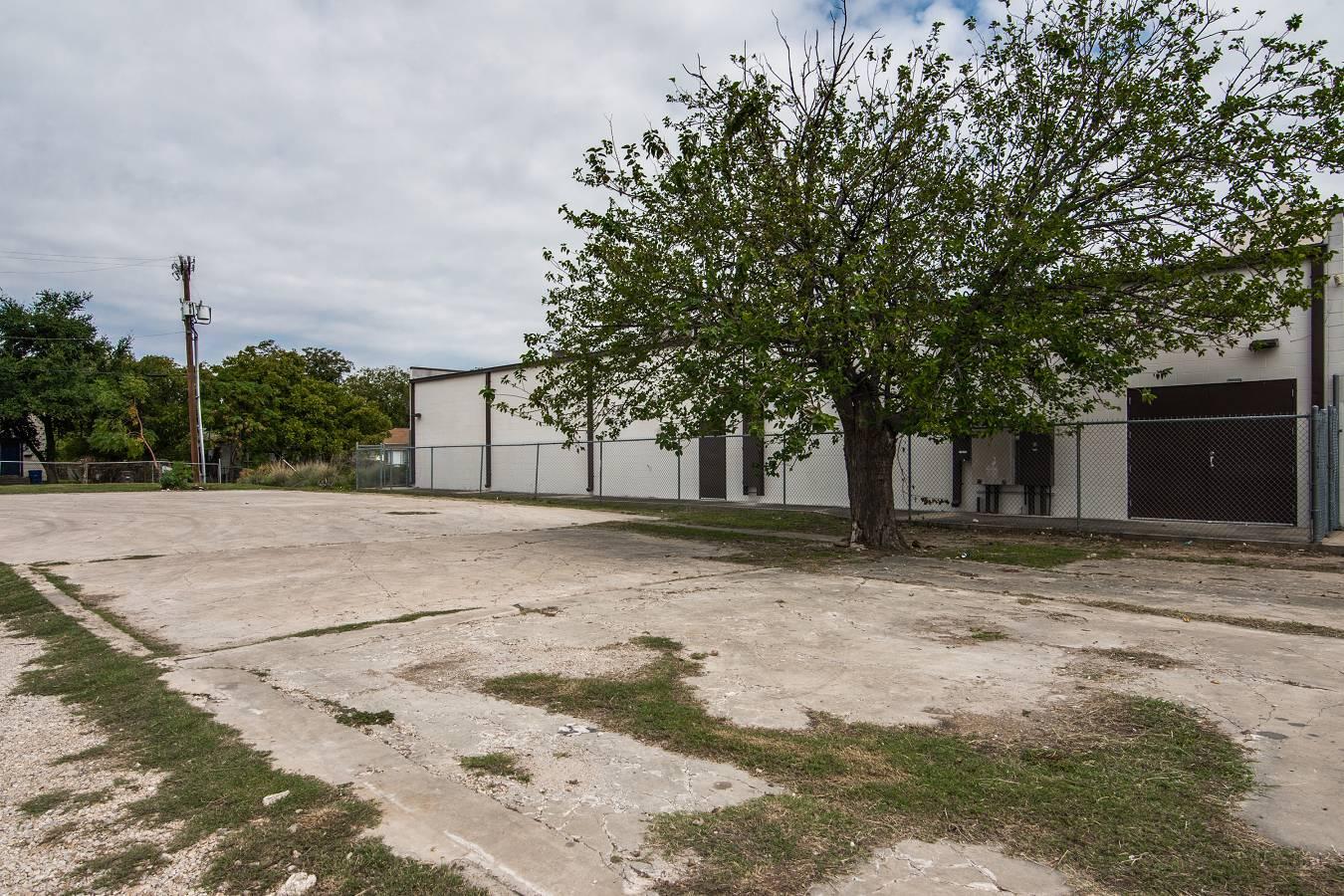 1343 W. Hildebrand , San Antonio, TX - USA (photo 1)