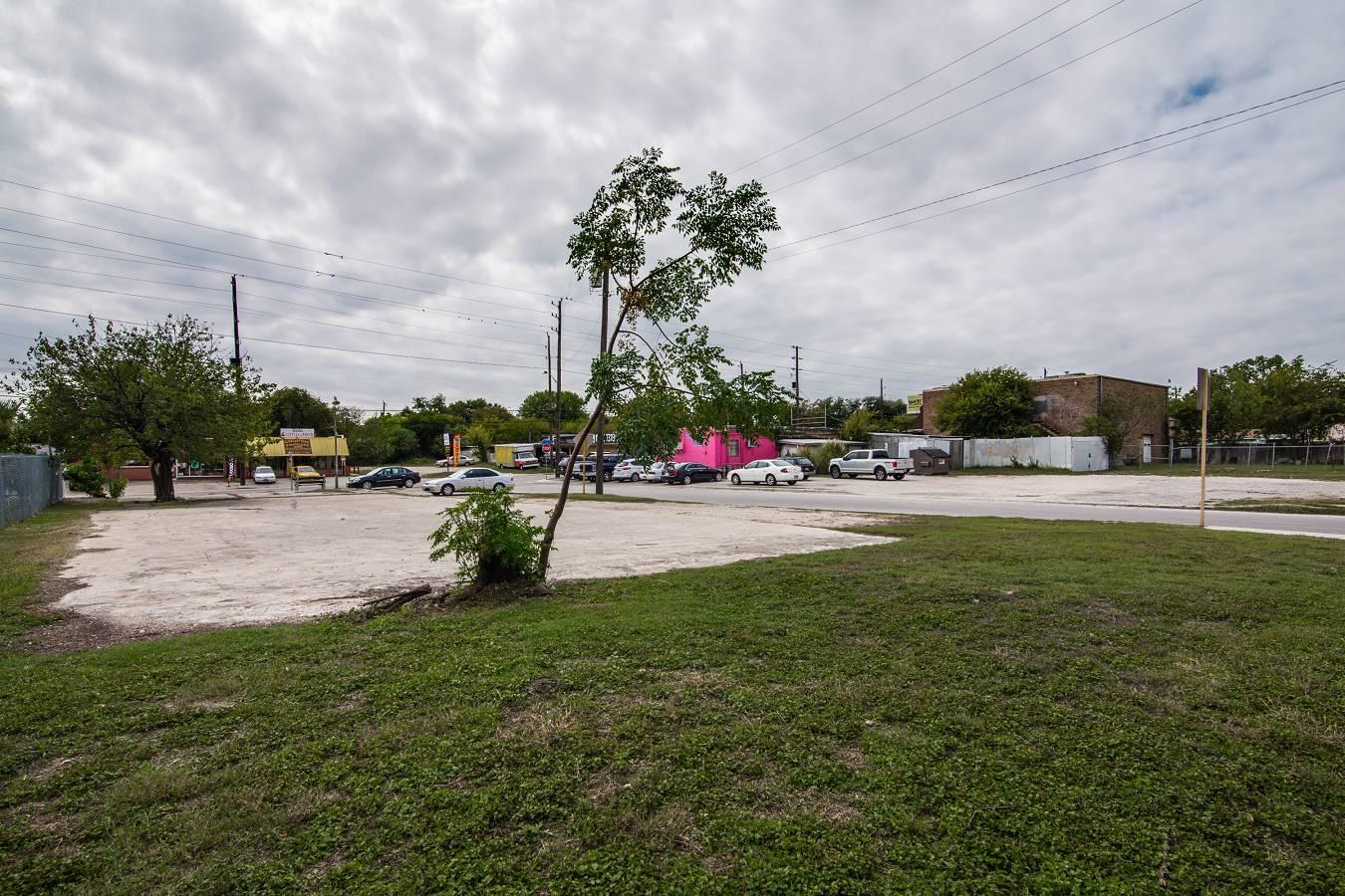 1343 W. Hildebrand , San Antonio, TX - USA (photo 4)