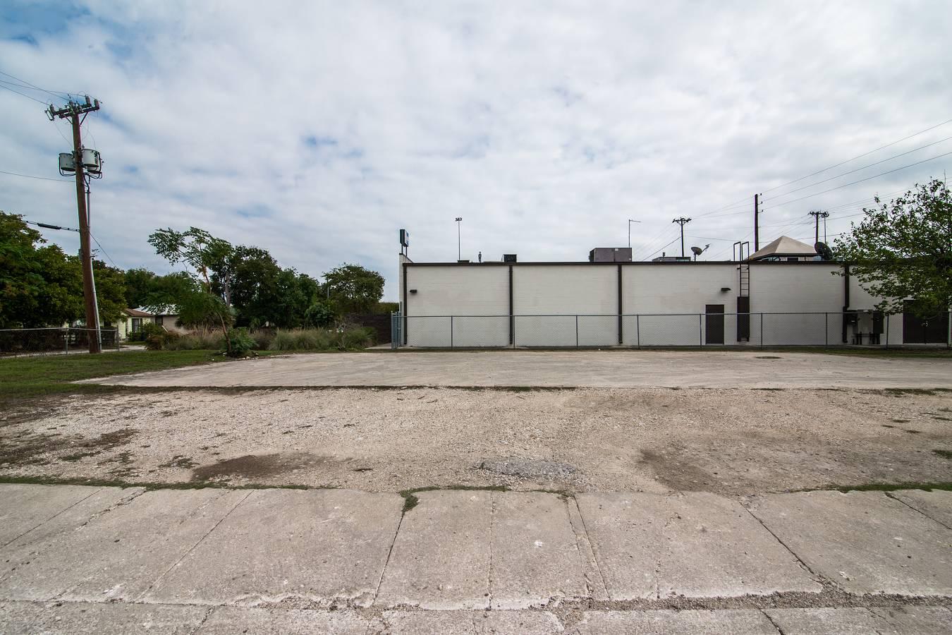 1343 W. Hildebrand , San Antonio, TX - USA (photo 5)