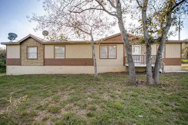 233  Sandy Oaks , Seguin, TX - USA (photo 2)