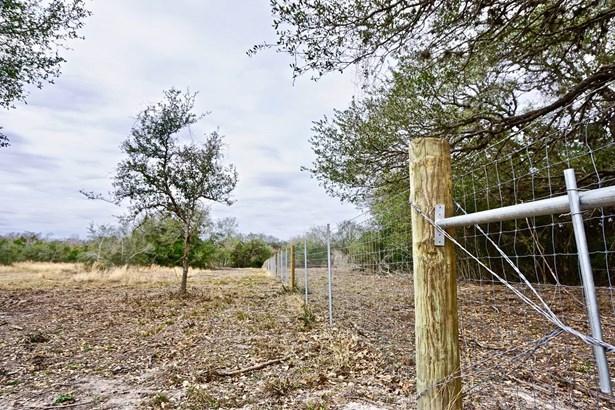 838 East Oak Unit Lot 5, Goliad, TX - USA (photo 3)