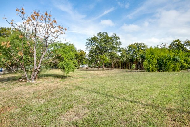 4526  Sierra , San Antonio, TX - USA (photo 2)