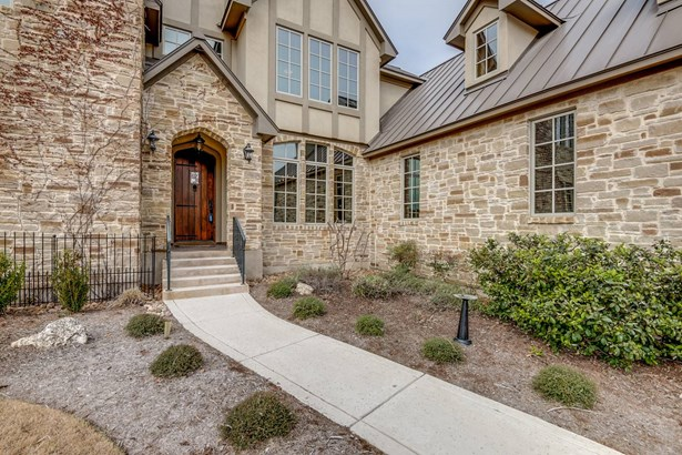 838  Uluru Avenue , New Braunfels, TX - USA (photo 3)