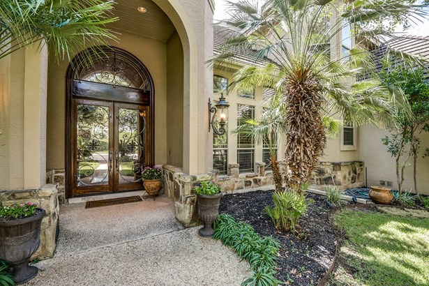 2  Royal Gardens Dr , San Antonio, TX - USA (photo 2)