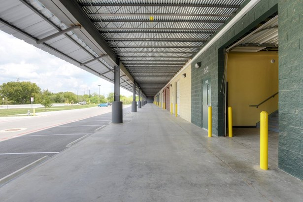 9342  South East Loop 410 Unit B21, San Antonio, TX - USA (photo 4)
