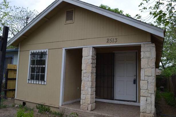 2513  West Poplar Street , San Antonio, TX - USA (photo 1)