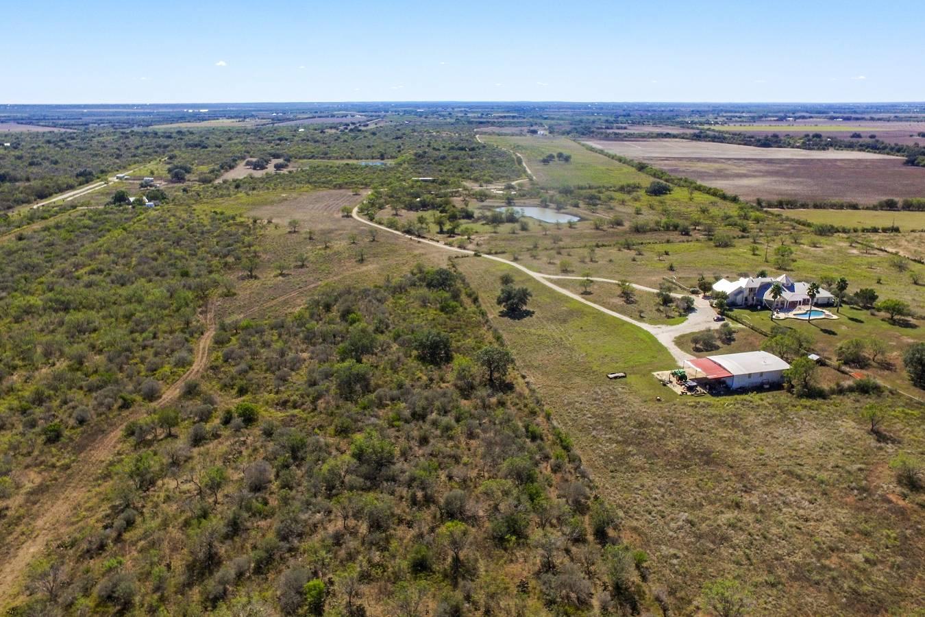 1230  Cr 445 , Hondo, TX - USA (photo 4)