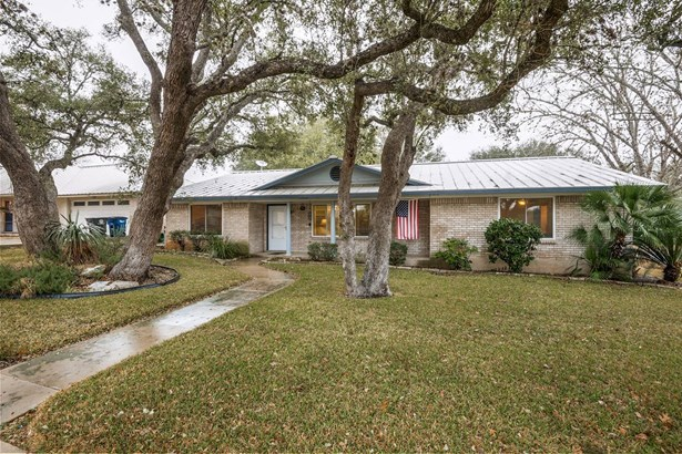 102  Brentwood Drive , New Braunfels, TX - USA (photo 1)