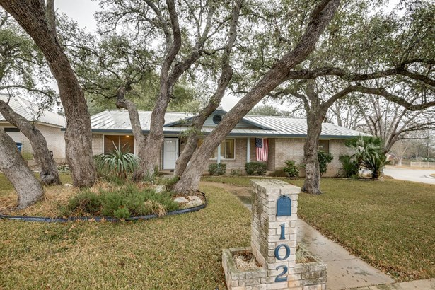 102  Brentwood Drive , New Braunfels, TX - USA (photo 2)