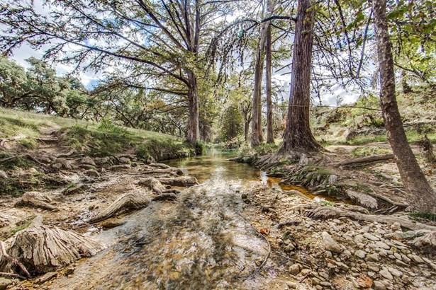 1829  Peaceful Valley Rd , Bandera, TX - USA (photo 3)
