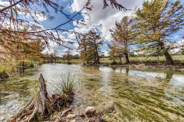 1829  Peaceful Valley Rd , Bandera, TX - USA (photo 4)