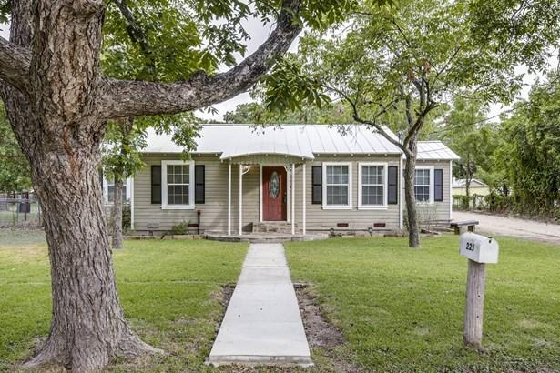 225 E. Main , New Braunfels, TX - USA (photo 1)