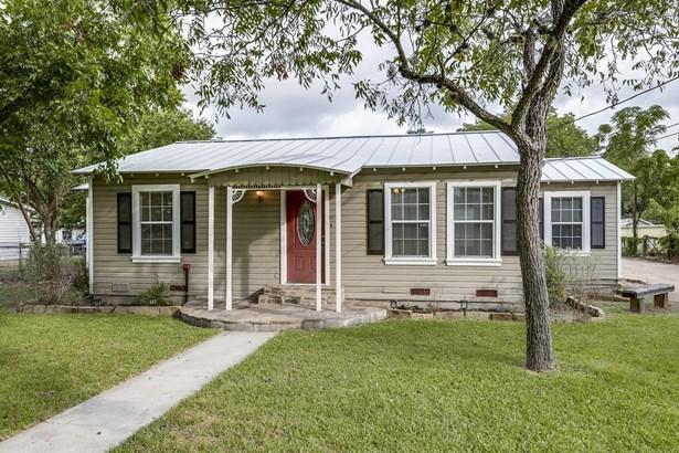 225 E. Main , New Braunfels, TX - USA (photo 3)