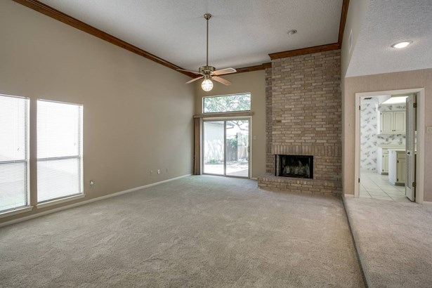 16906  Summer Creek Drive , San Antonio, TX - USA (photo 5)