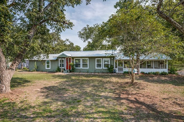 3175  County Road 108 , Gonzales, TX - USA (photo 2)