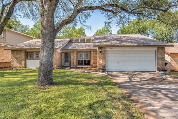 9823  Heritage Farm Road , San Antonio, TX - USA (photo 2)