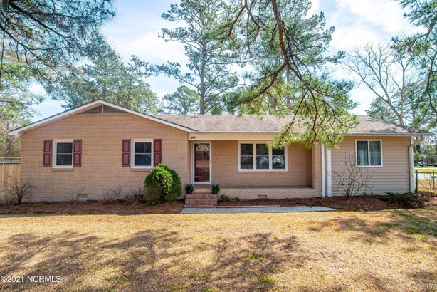 Single Family Residence - Trent Woods, NC