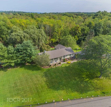 360 Briarly Drive, Franklin Lakes, NJ - USA (photo 2)