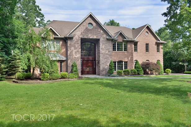 302 Nicolas Court, Franklin Lakes, NJ - USA (photo 1)