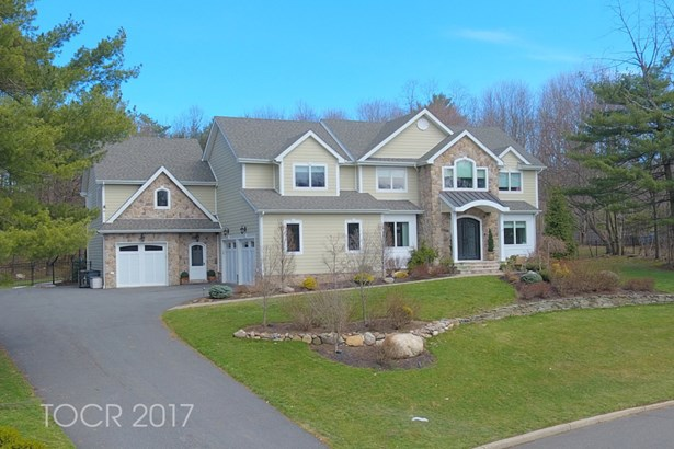 68 Valley View Terrace, Montvale, NJ - USA (photo 1)