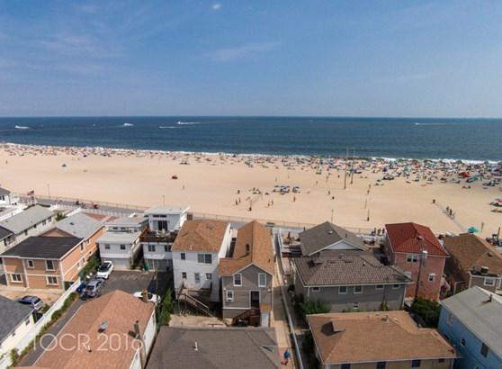 243 Boardwalk, Point Pleasant Beach, NJ - USA (photo 2)
