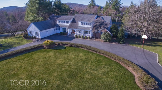 376 Longbow Drive, Franklin Lakes, NJ - USA (photo 2)