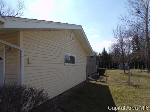 120 Circle Drive, Galesburg, IL - USA (photo 3)