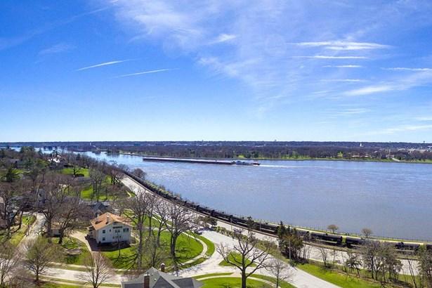 2434 E River Drive, Davenport, IA - USA (photo 4)