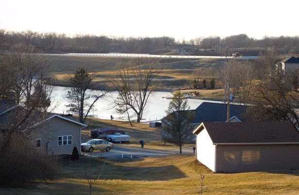 138 Fyre Lake Drive, Sherrard, IL - USA (photo 2)