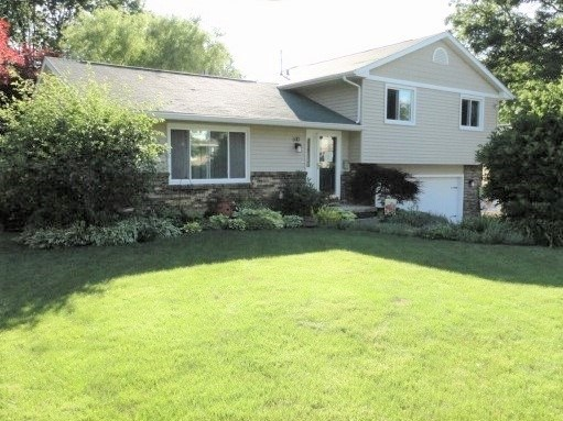 610 Forest Road, East Moline, IL - USA (photo 1)