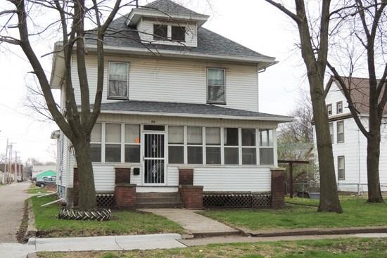 211 Cedar Street, Davenport, IA - USA (photo 1)
