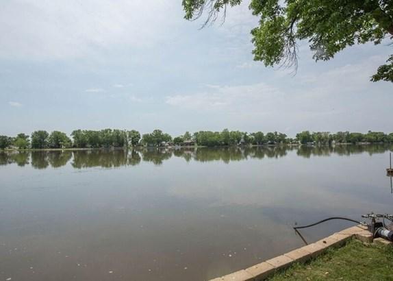 1730 N Shore Drive, Moline, IL - USA (photo 3)