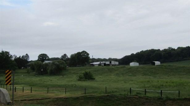 632 W Deer Creek Road, Clinton, IA - USA (photo 2)