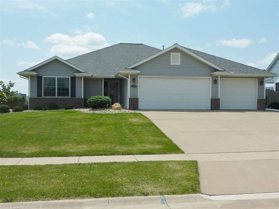 791 Rustic Green Court, Eldridge, IA - USA (photo 1)