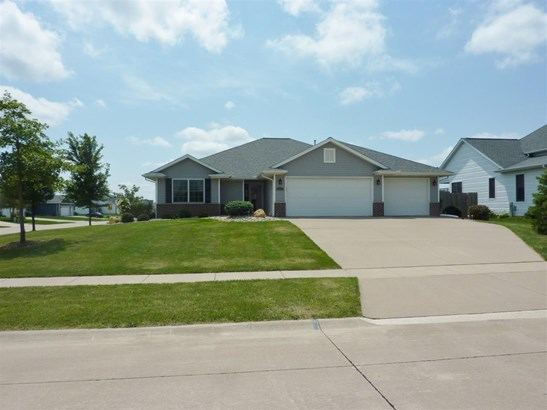 791 Rustic Green Court, Eldridge, IA - USA (photo 2)