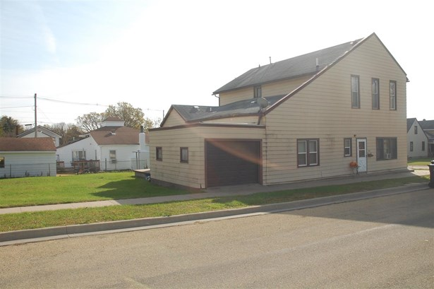 2801 Roosevelt Street, Clinton, IA - USA (photo 1)